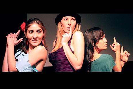 Tres mujeres y... ¿un destino?