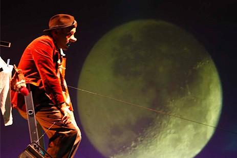 Simoon en la luna